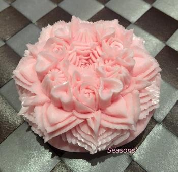 mini cakeB.jpg